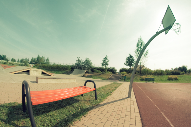 ławka ogrodowa metalowa